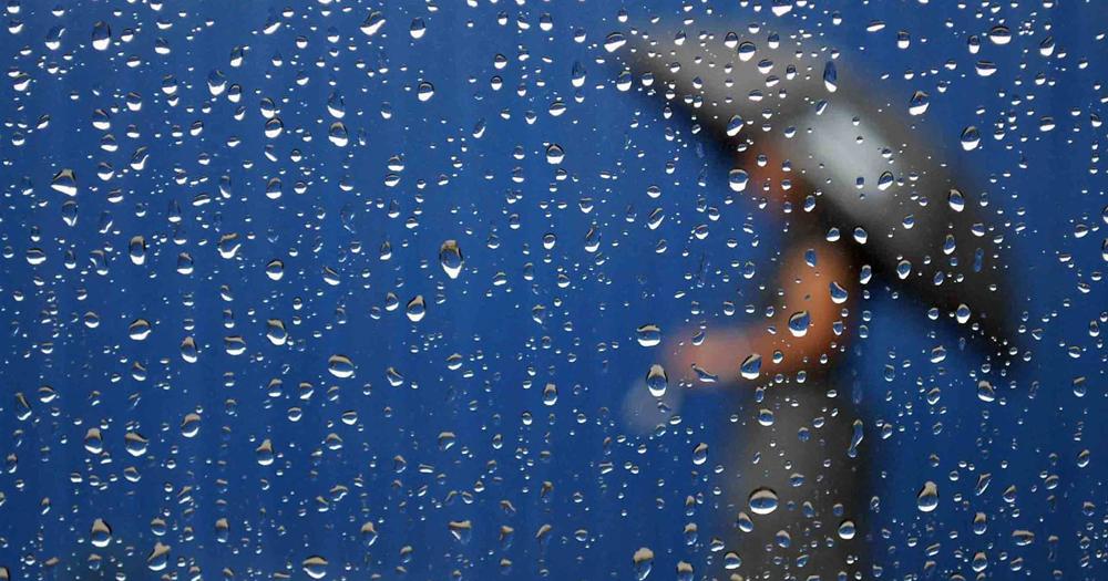 10 Tips Menjaga Kesehatan di Musim Hujan