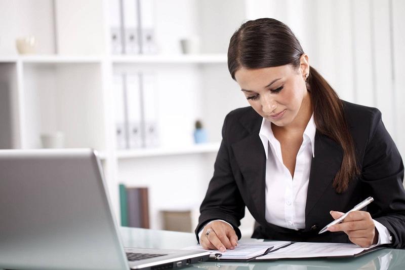 3 Kunci Sukses Jadi Bos Wanita di Kantor yang Didominasi Pria