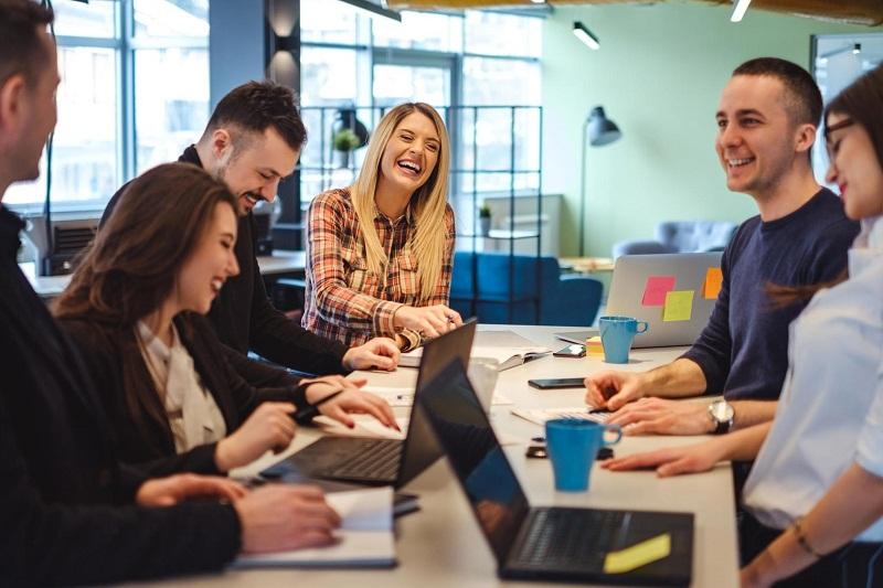 4 Hal yang Membuatmu Karyawan Kerasan di Kantor