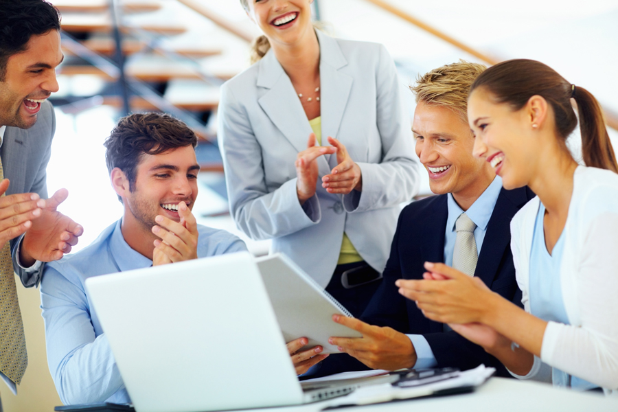 4 Tips Agar Kamu Tampil Memikat di Kantor