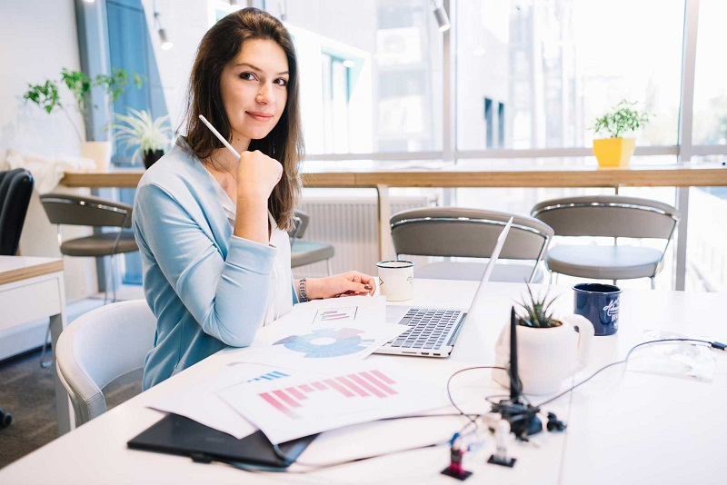 4 Tips Agar Tetap Bugar Selama Bekerja di Kantor