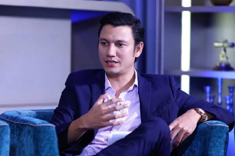 5 Artis Top Indonesia yang Juga Kerja di Kantoran