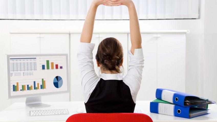 5 Tips Anti Pegal Saat Bekerja Seharian di Kantor