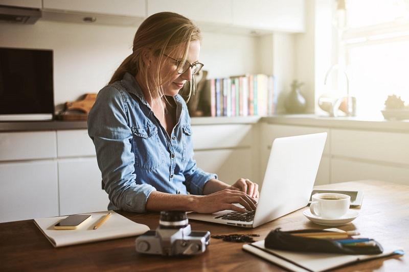 5 Tips Jaga Keseimbangan Saat Bekerja dari Rumah