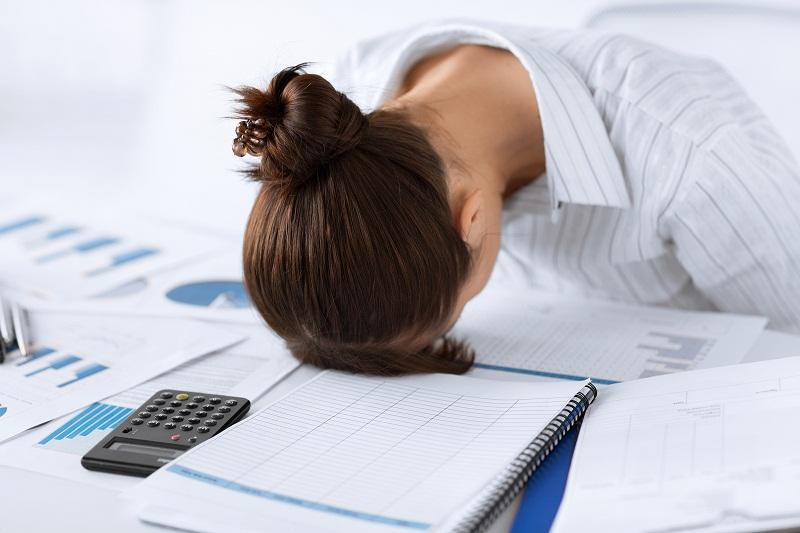 5 Tips Mengatasi Lelah Berlebihan di Kantor