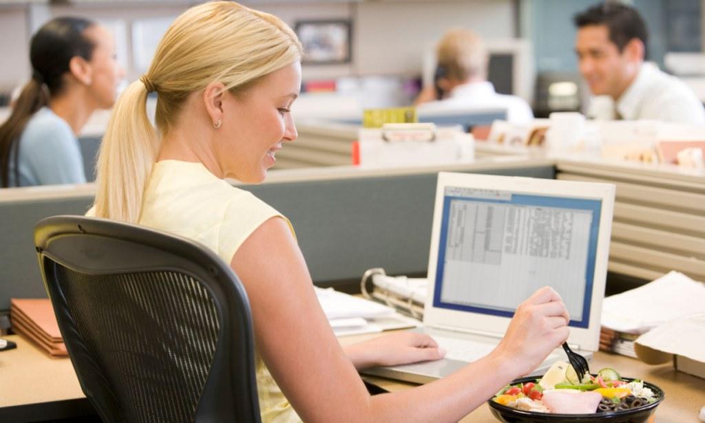 6 Camilan Sehat di Kantor Yang tak Bikin Gendut