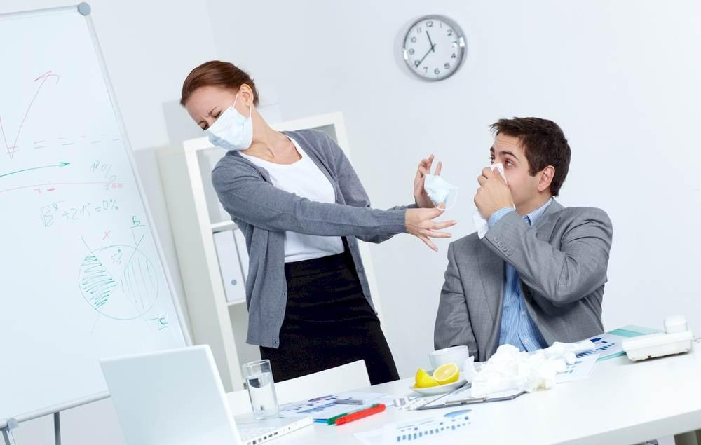 7 Tips Mengatasi Keluhan Penyakit di Kantor