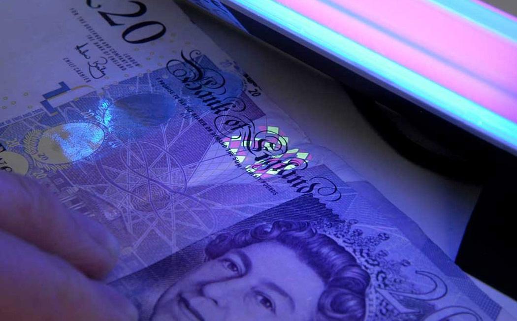 7 Uang yang Paling Sulit dipalsukan di Dunia