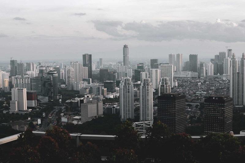 Anies Tutup Perkantoran, Menteri Airlangga Pilih Jam Kerja Fleksibel
