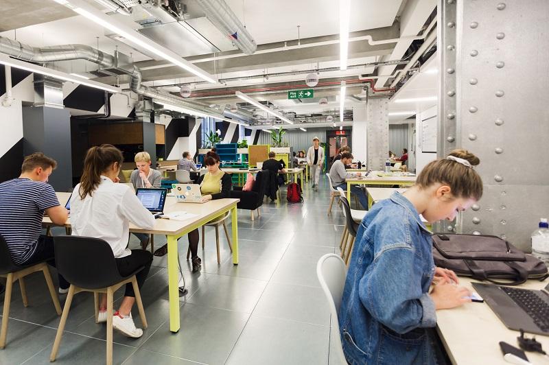 Apakah Coworking Space Bisa Naikkan Okupansi Perkantoran?