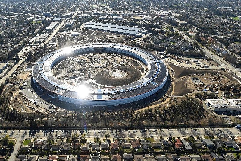 Apple Gunakan Energi Hijau untuk Data Center, Perkantoran, dan Toko Ritel Miliknya
