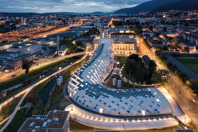 Desain Fururistik dan Megah Kantor Pusat Swatch di Swiss