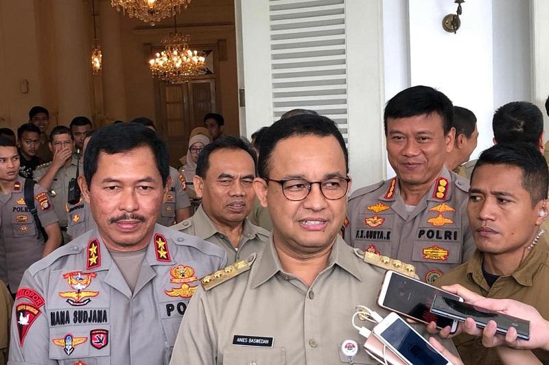 Langgar Aturan PSBB, Anies Tutup 20 Perkantoran di Jakarta