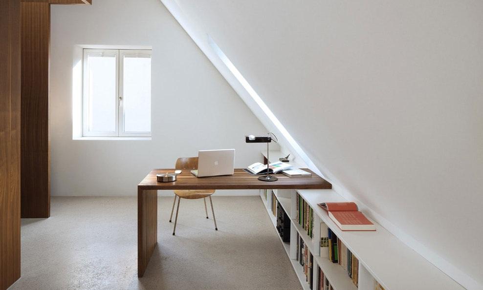 Manfaatkan Ruang Kosong di Rumah Jadi Kantor Minimalis