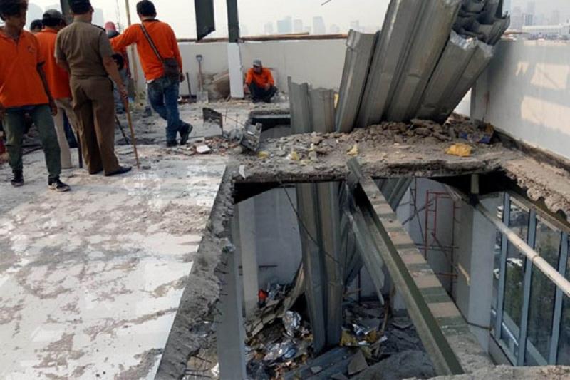 Salahi IMB, Gedung Perkantoran Mewah ini Dibongkar Paksa
