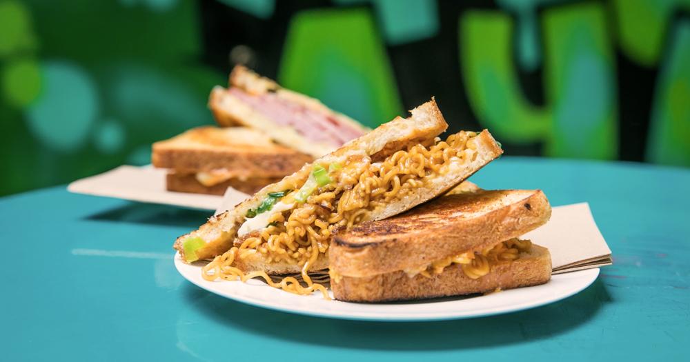 Sandwich populer di Sydney ini dibuat dari mie instant asal Indonesia