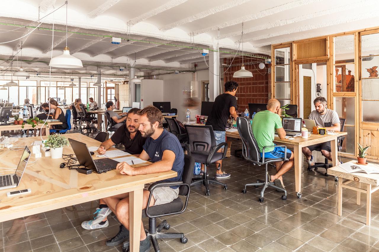 Warung Kopi atau Coworking Space, Pilih Mana?