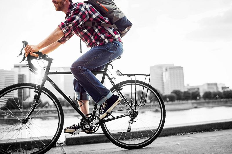 Tips Bersepeda ke Kantor Agar Tak Mandi Keringat