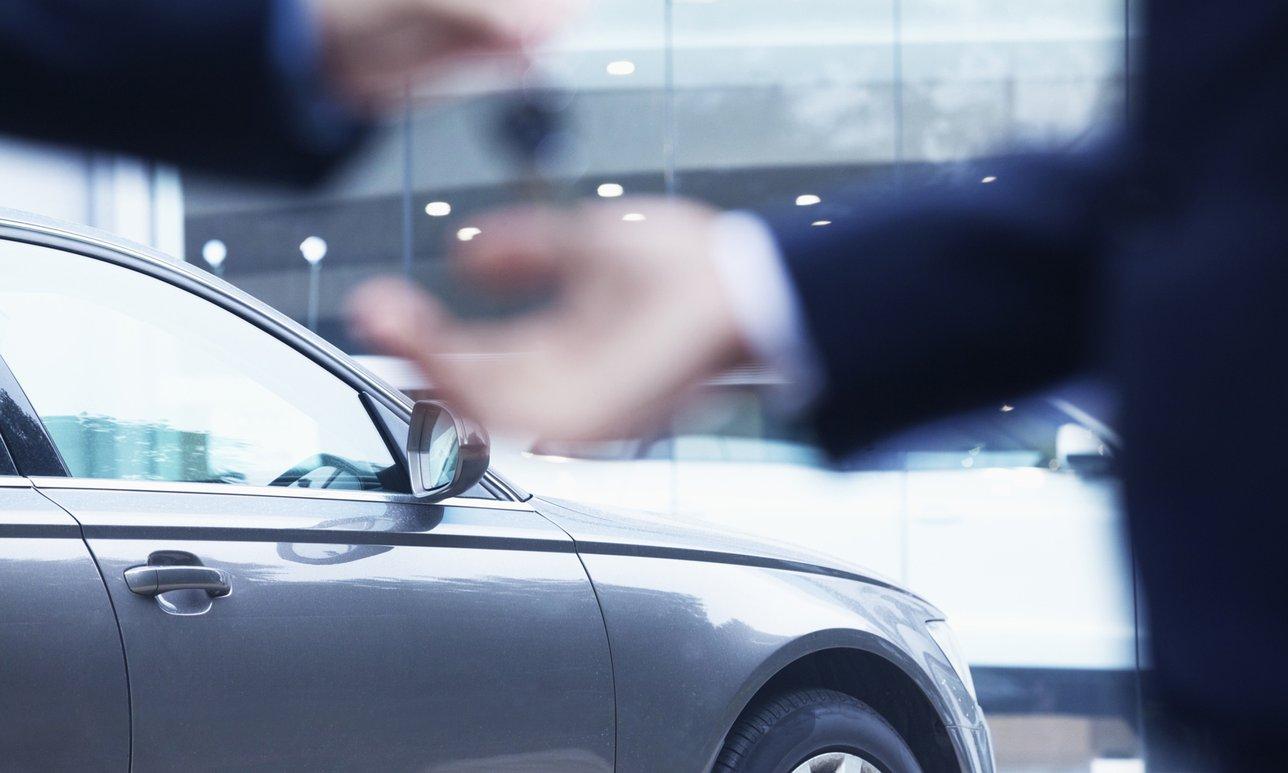 Tips Membeli Mobil Operasional untuk Kantor