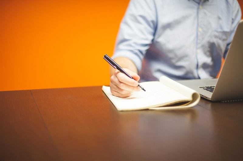 Tips Membuat Review Tahunan Bagi Karyawan Kantor