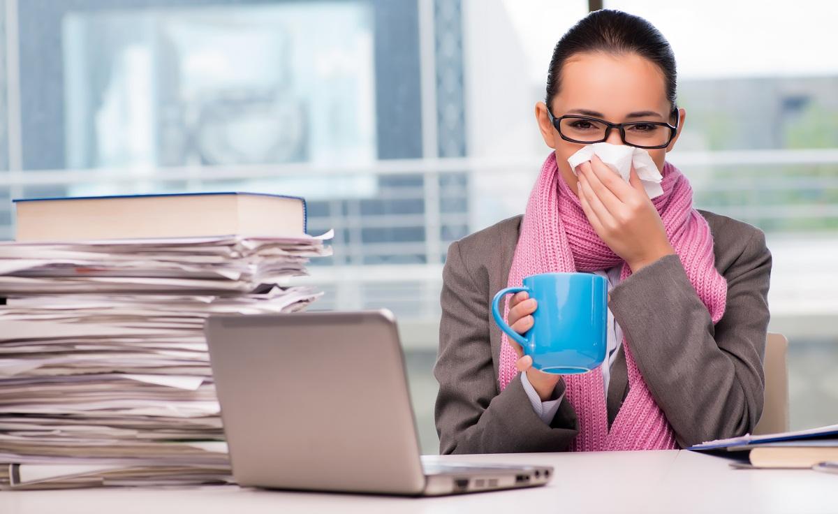 Tips Semangat Bekerja di Kantor Meski Sedang Sakit