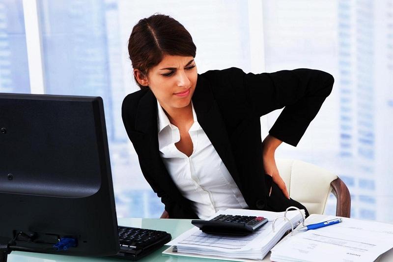 Tips Supaya Duduk Seharian di Kantor Tidak Bebahaya
