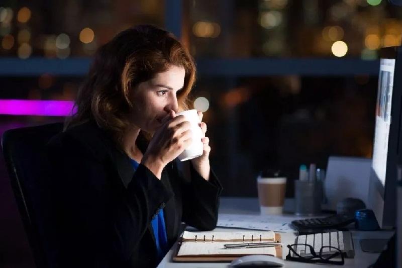 Tips Supaya Tidak Sering Lembur di Kantor